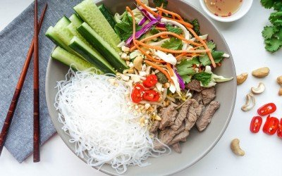 Vietnamese Pho Salad Bowl – Pho-nomenally tasty!