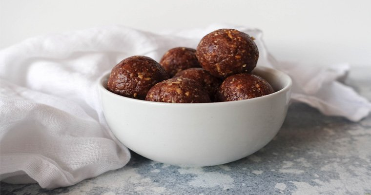 Easy Choc Peanut Butter Bliss Balls – Gluten Free, Dairy Free, Sugar Free