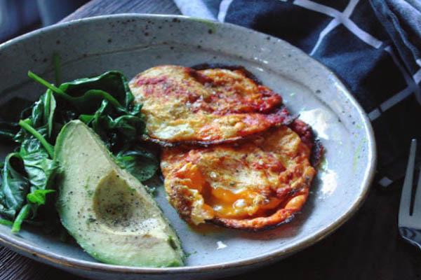 Vic Yordo Natural Nutrition - Crispy Turmeric Fried Eggs - Aussie Bloggers